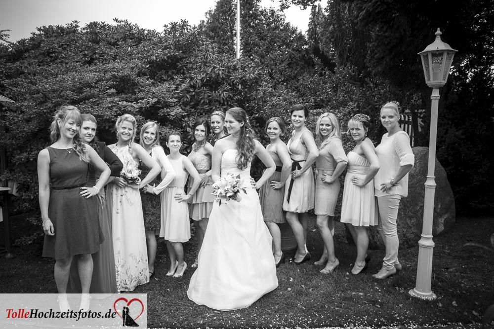 Die Frauen auf der Hochzeit