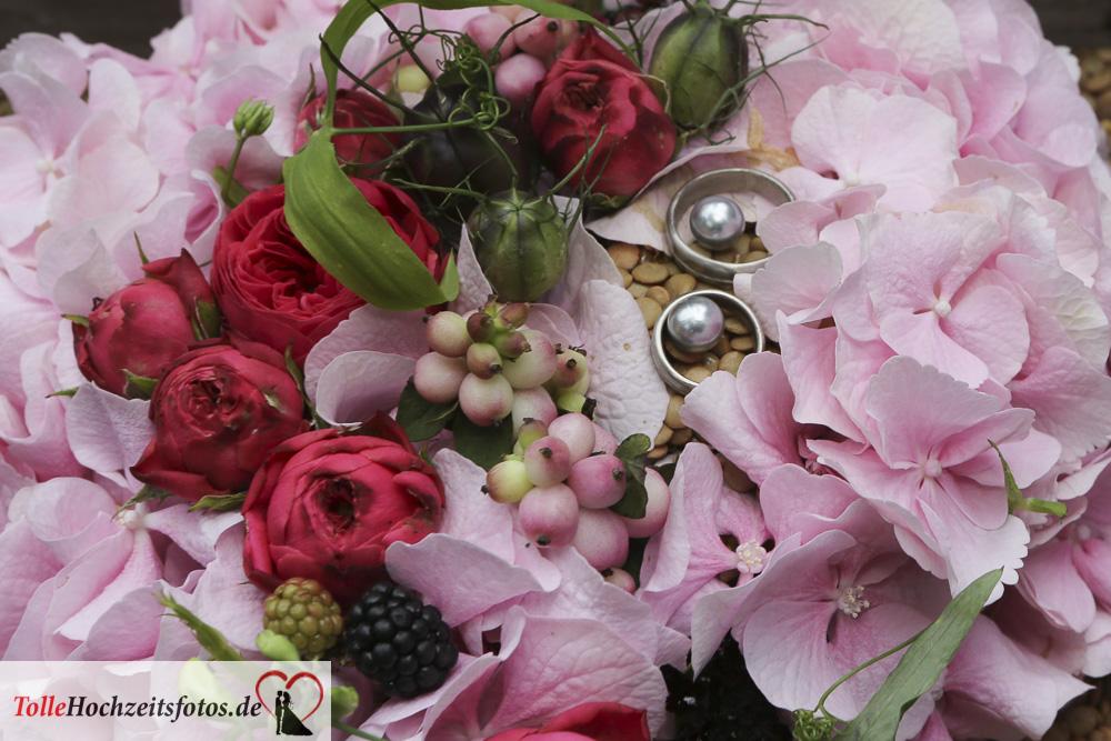 Das Ringkissen aus Blumendeko