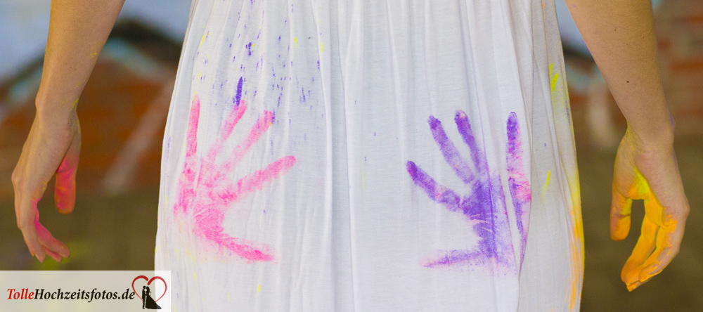 Junggesellinnenparty Holi-Fotoshooting Handabdrücke